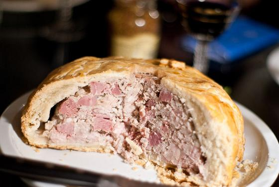 http://vinoge.com/files/image/British_Pork_Pie.jpg